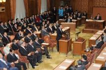2回目の党首討論で、野党党首の質問に答える野田佳彦代…