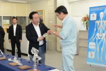 野田総理、岡山市の医療機器メーカー「ナカシマメディカ…