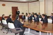 細野政調会長、長浜環境大臣、佐藤福島県知事と意見交換