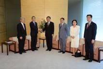 山中教授が野田総理を表敬訪問
