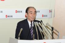 第1次公認候補者を発表する輿石幹事長