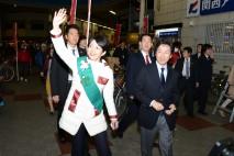 吉羽美華・大阪府第1区総支部長と商店街を練り歩く