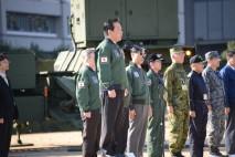 隊員に激励のあいさつを行う野田総理