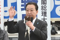 上田駅前で演説する野田代表