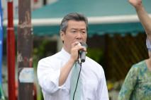 国立駅北口で街頭演説を行う馬淵幹事長代行