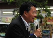 赤坂駅前で街頭演説を行う海江田代表