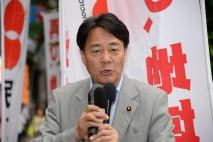 仙台市内の繁華街で演説する海江田代表