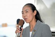 福島駅前でマイクを握る金子恵美参院議員