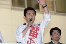 支援を訴える野田国義候補