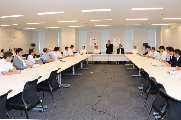 千葉、埼玉両県連が竜巻発生後3日に行った現地調査の報告を受けるとともに関係省庁からヒアリングした