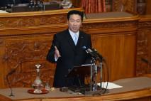 中川委員長問責決議案の趣旨説明を行う福山哲郎議員