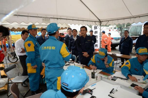 【社会】安倍晋三首相、25日広島の被災地へ。現場を上空から視察YouTube動画>3本 ->画像>40枚