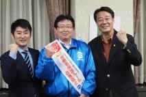 秋田魁新報社を訪れ、単独インタビューに応じた海江田代…