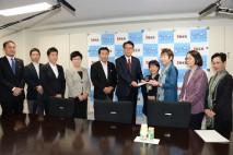 海江田代表、クオータ制導入について申し入れを受ける