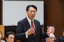「日本の平和を危うくさせないよう安倍自民党と全力で戦…