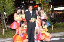 激励に訪れてくれたアイドルグループ「仮面女子」の皆さ…