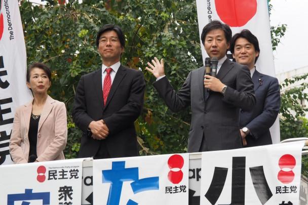 JR千葉駅前で街頭演説を行った