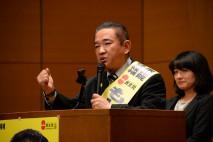 力強く演説する本村賢太郎候補