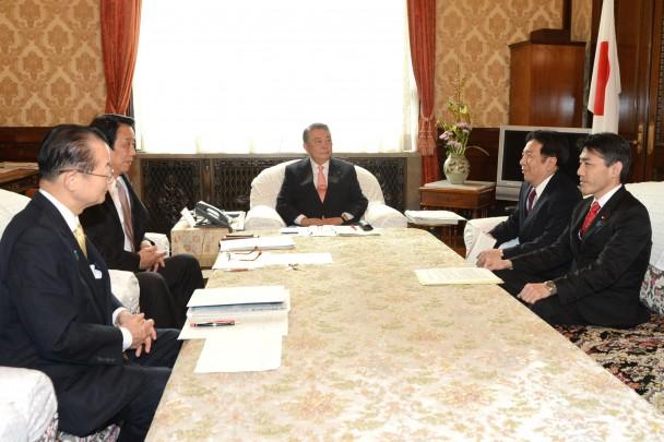 衆院選挙制度改革に関し大島議長に申し入れ 枝野幹事長