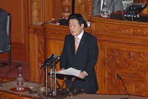 参議院本会議で福田総理に代表質問