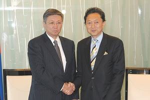 モンゴルのバヤル首相と会談